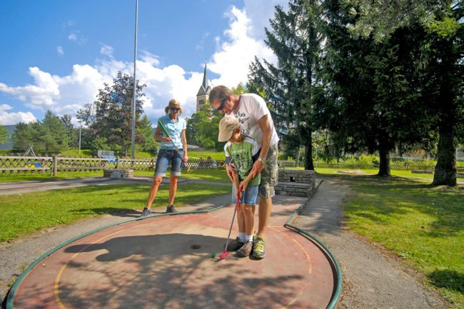 Minigolf - Sommerurlaub & Wanderurlaub in Radstadt – Bauernhofurlaub in Radstadt am Familienbauernhof Nöglhof